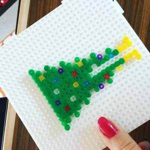 hama-beads-christmas-tree