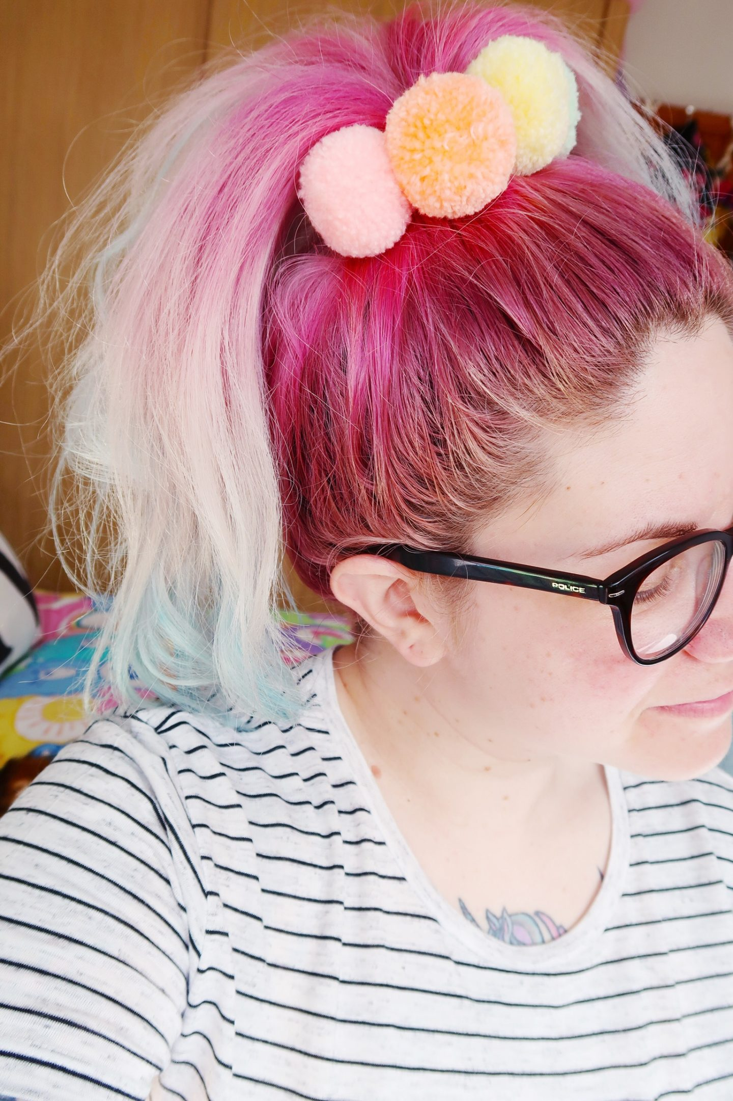 pompom-pastel-scrunchies