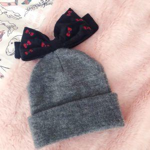 hello-kitty-bobble-hat